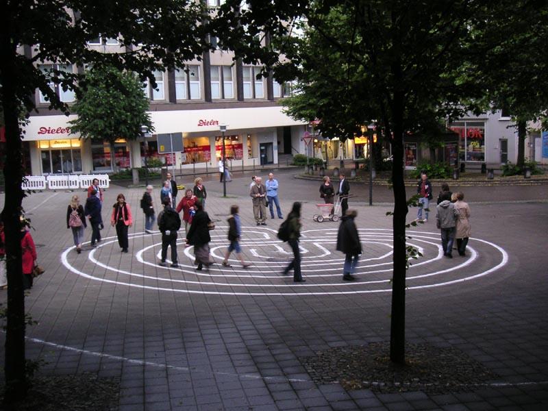 """Das Erlebnisprojekt """"Labyrinth Ruhrgebiet – Wege nach innen und außen"""" am Essener Kopstadtplatz"""