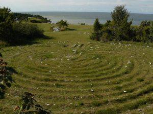 """Das Labyrinth """"Trojaburg Hallshuk"""" (Burg der Trolle) in Nähe Hall auf der Insel Gotland, Schweden"""