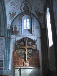 Kirche St.Maria zur Höhe (Hohnekirche) mit dem Scheibenkreuz um 12.Jh. und der Taukapelle im Turm vom Vorgängerbau vor dem 12.Jh.