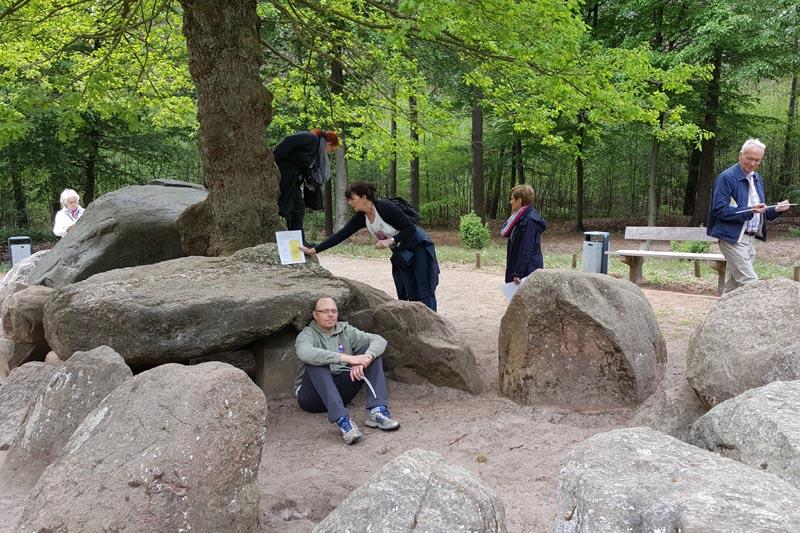 Geomantische Untersuchung am Megalithengrab Düvelsteene im Seminar